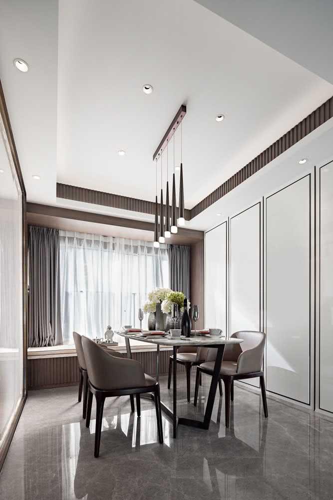 Piso porcelanato brilhante para sala de jantar: ideal para ambientes internos e secos