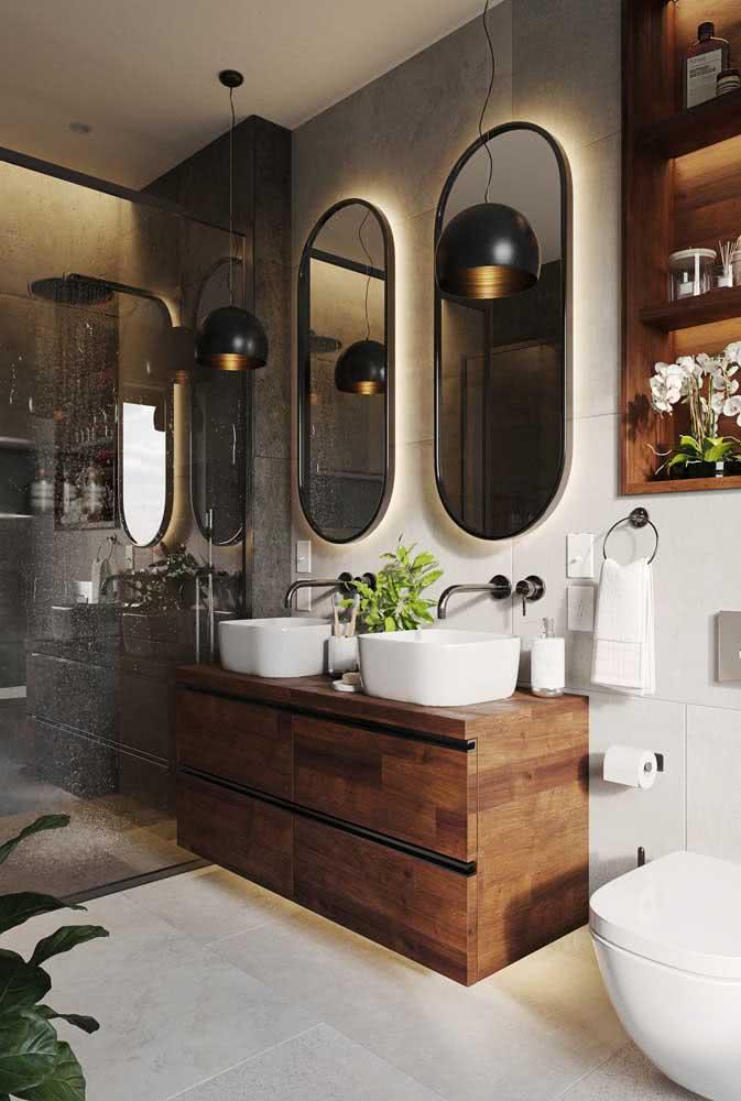 E no banheiro, as juntas mínimas favorecem o trabalho de conservação do rejunte