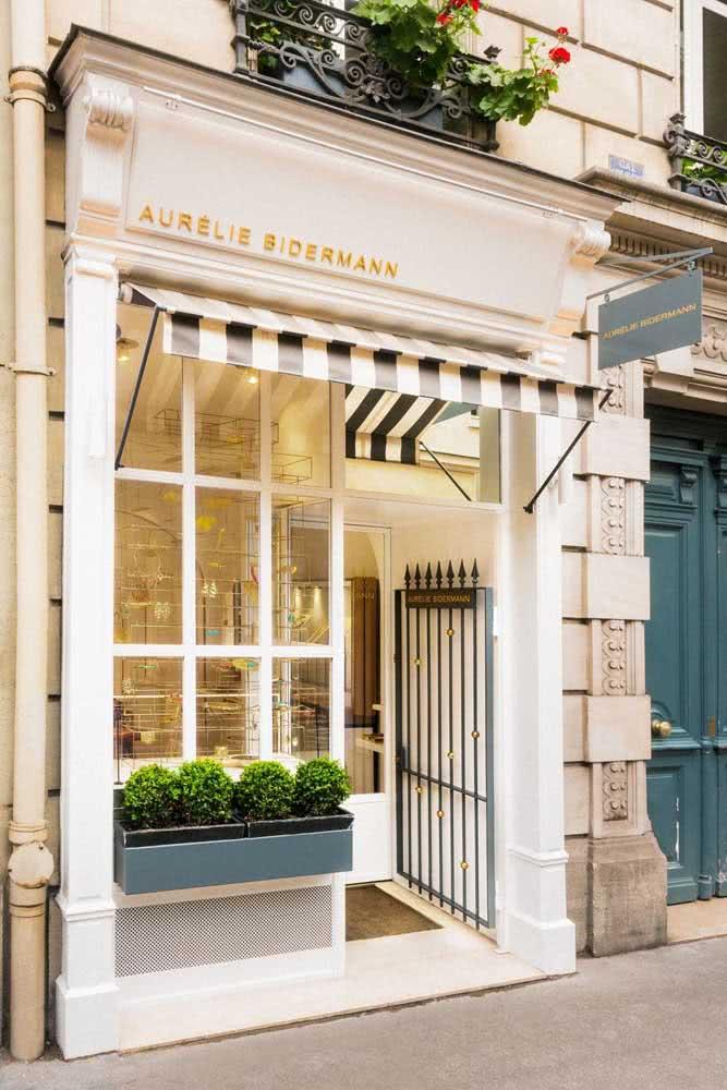 Fachada de loja clássica e elegante
