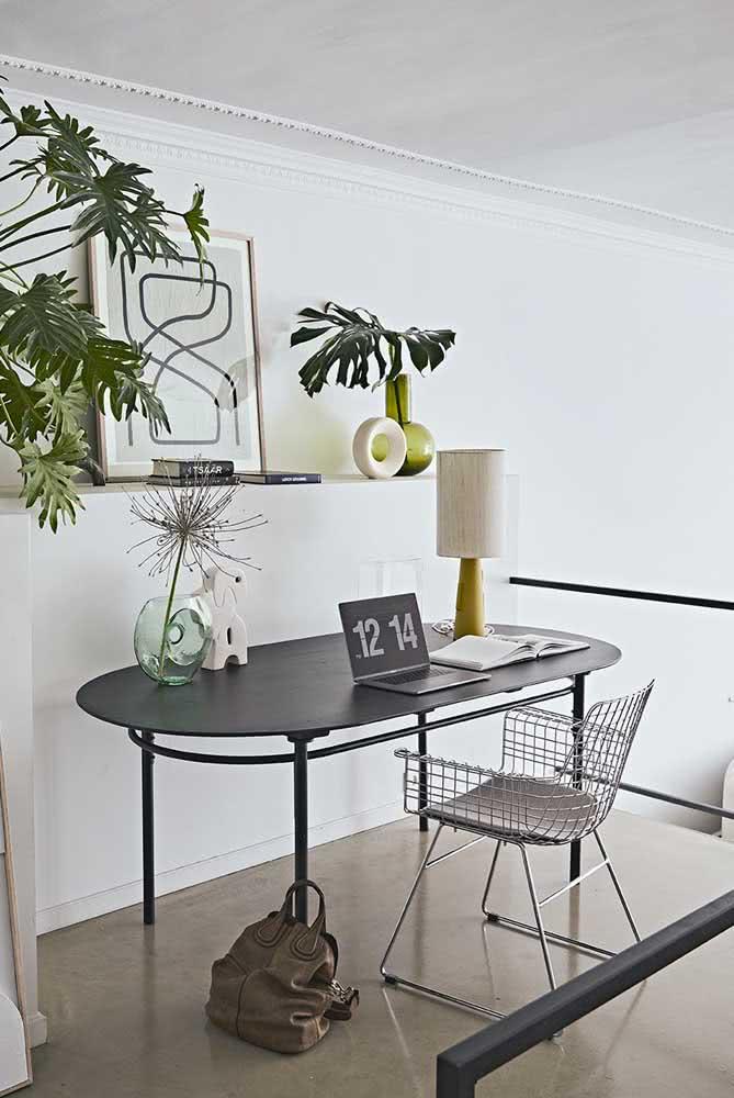 Mesa oval para o escritório também!