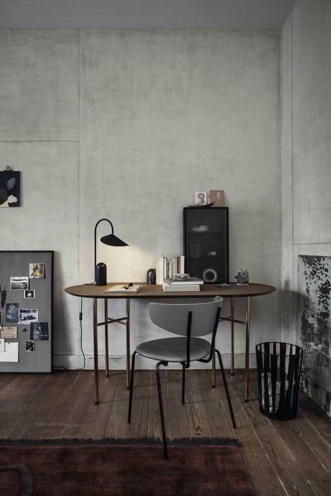Já pensou em ter uma mesa lateral oval?