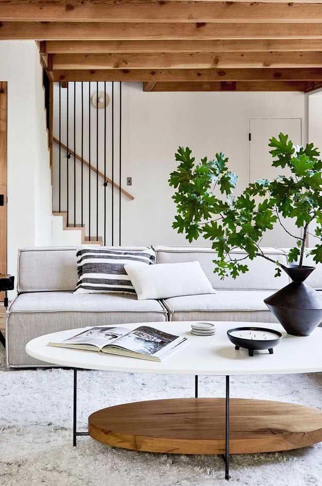 Agregue estilo e personalidade para o home office com uma mesa oval