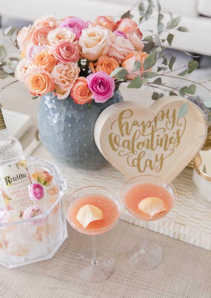 Drinques especiais e na cor do amor para celebrar a data