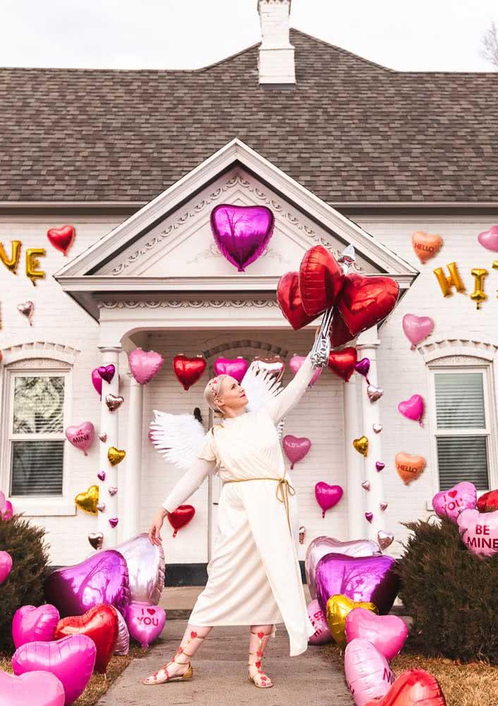 E o que acha de decorar a casa toda para esperar o seu amor chegar?