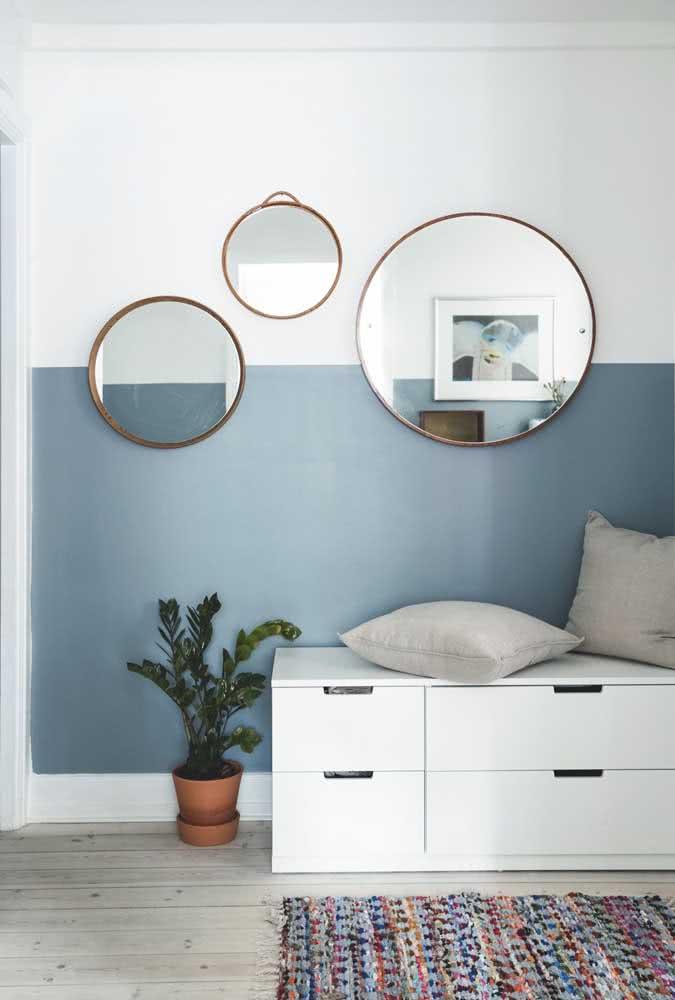 Meia parede marcando a posição dos espelhos