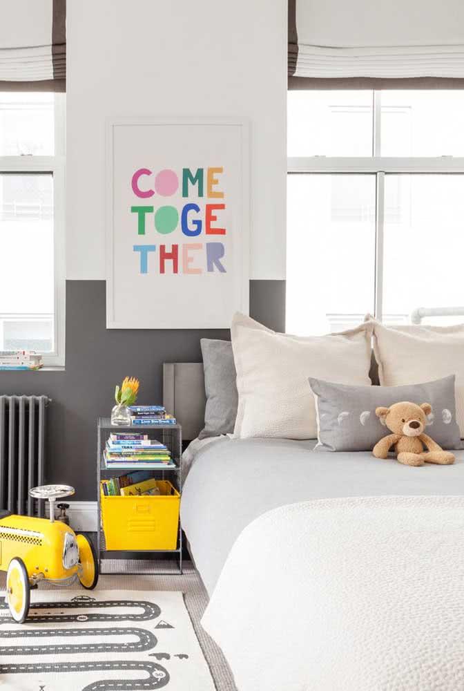 Meia parede cinza para o quarto infantil moderno