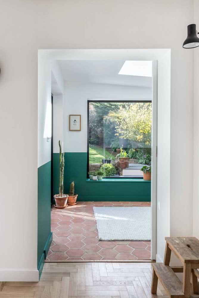 Clima de natureza com a meia parede verde