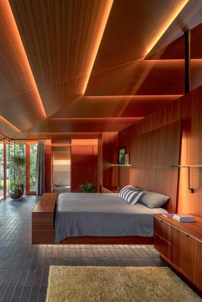 Cama flutuante com luz de LED para um efeito ilusório incrível