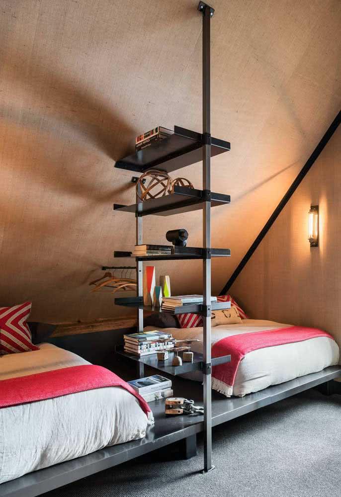 Cama flutuante dupla com base metálica: projeto perfeito para quarto de irmãos