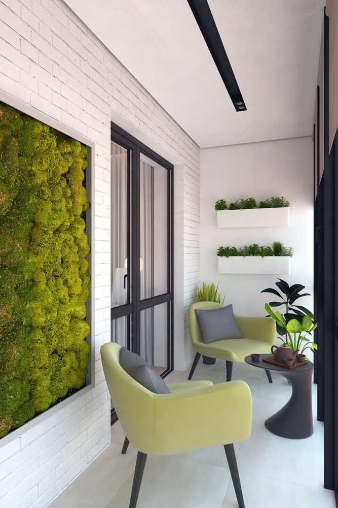 Uma floreira gigante pode acabar virando um quadro na varanda. Olha que linda inspiração!