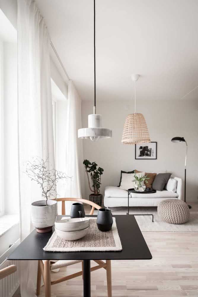 Branco, pequeno, moderno e minimalista