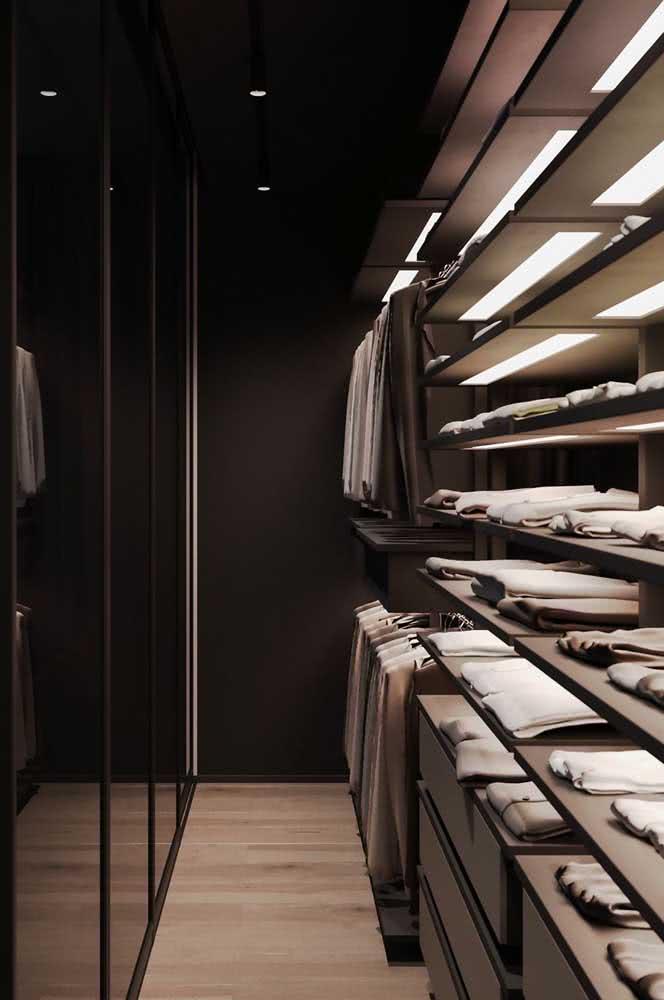 Closet masculino cinza chumbo: uma cor neutra e sóbria