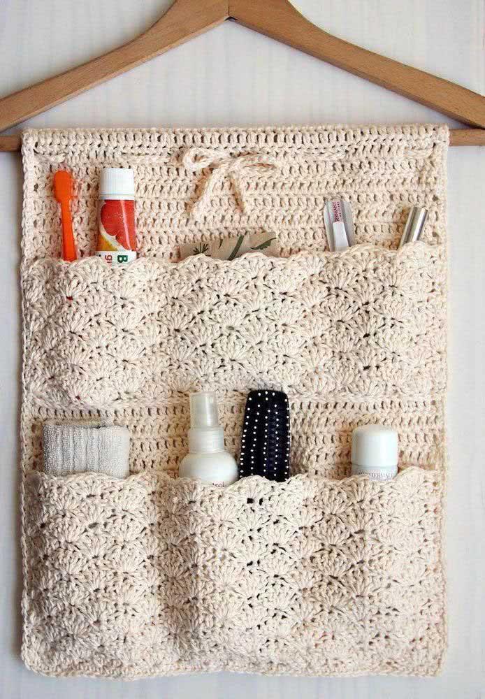 Suporte de crochê no cabide. Uma peça criativa, linda e super funcional