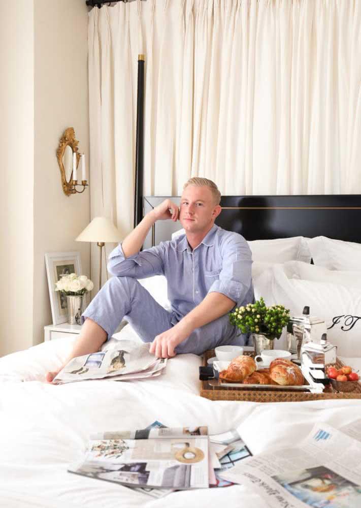 Café da manhã na cama para o namorado: dia romântico e preguiçoso