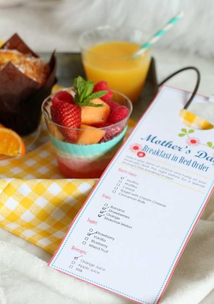 Café da manhã na cama em homenagem ao dia das mães