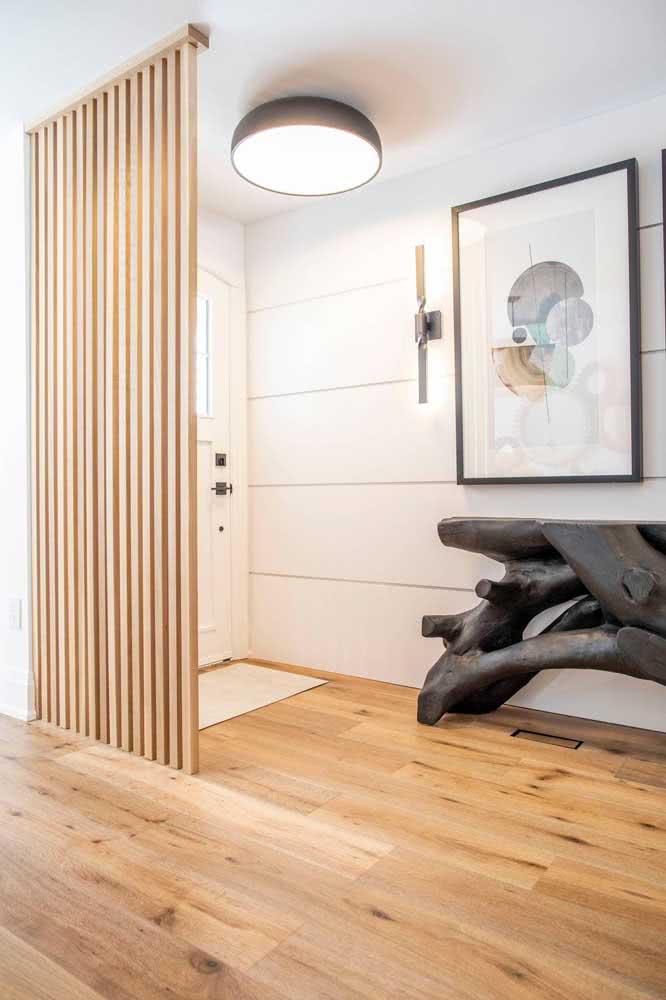 Divisória de painel ripado de madeira: fácil e barato de fazer