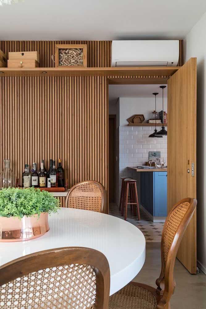 Painel ripado na sala de jantar: unidade visual no ambiente