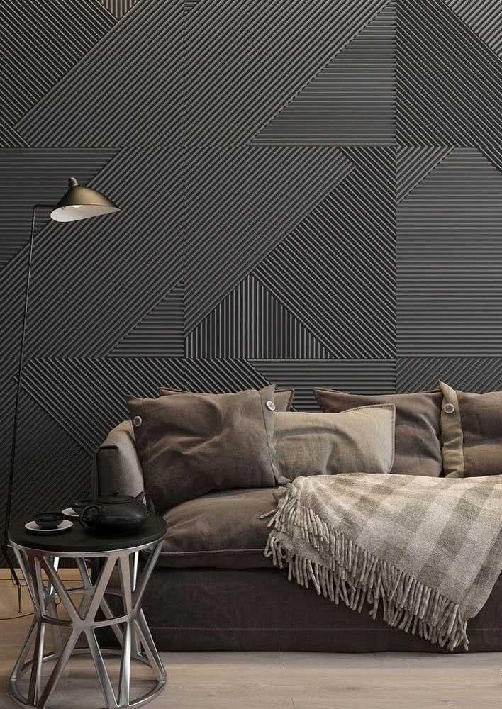 Textura de parede com formatos geométricos em um ambiente sóbrio e aconchegante.