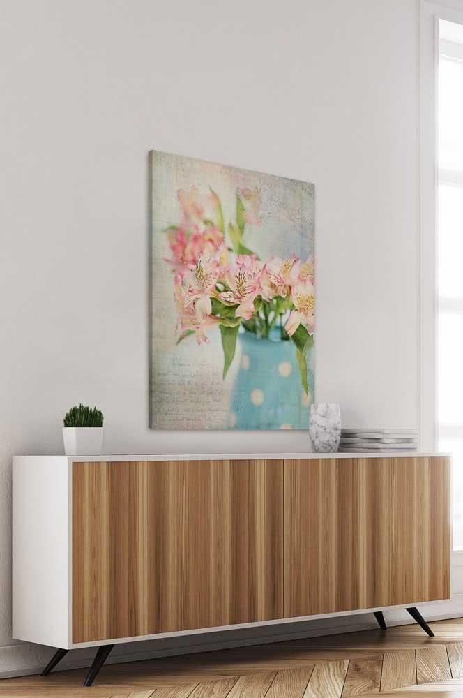 Mesmo no quadro, a Astromélia é linda e super decorativa