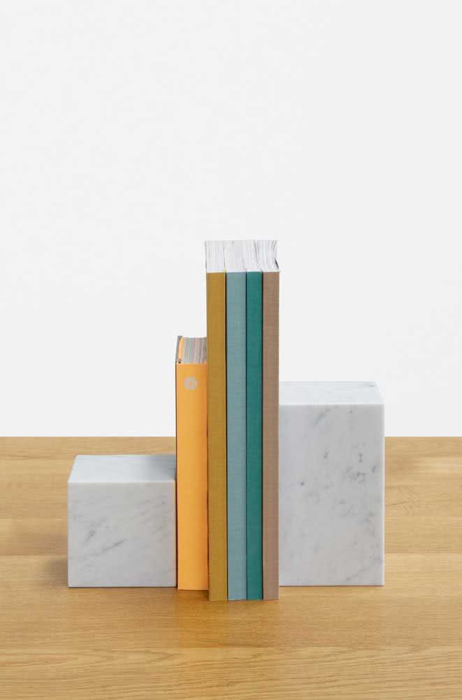 E o que acha de um par de colunas de mármore? Chiquérrimo