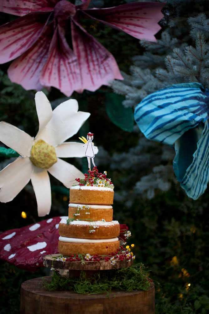 Já pensou em fazer toda a decoração de uma festa usando papel machê? Fica a dica!