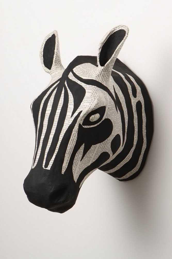 Zebra de papel machê: aposte nessa tendência decorativa para criar suas peças artesanais