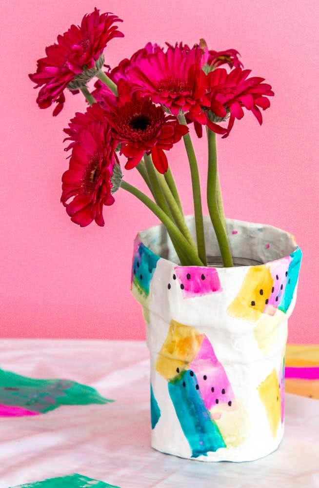 Vaso para flores em papel machê: um artesanato sem limites para a criatividade