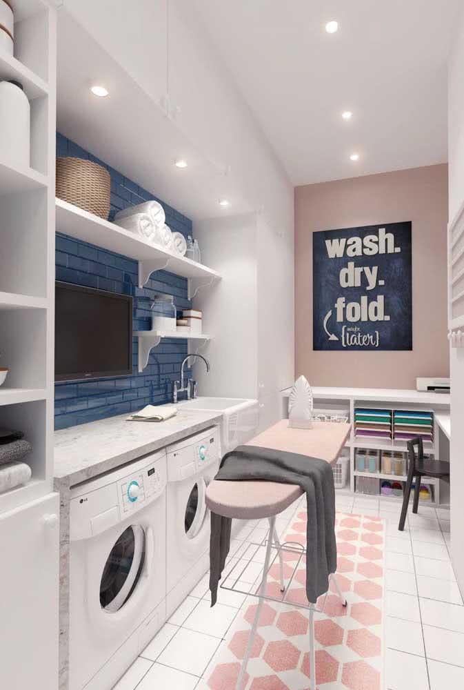 Prateleira para lavanderia simples feita de MDF branco