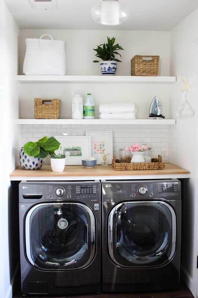 Fáceis de fazer e de instalar, as prateleiras podem ser feitas em casa mesmo