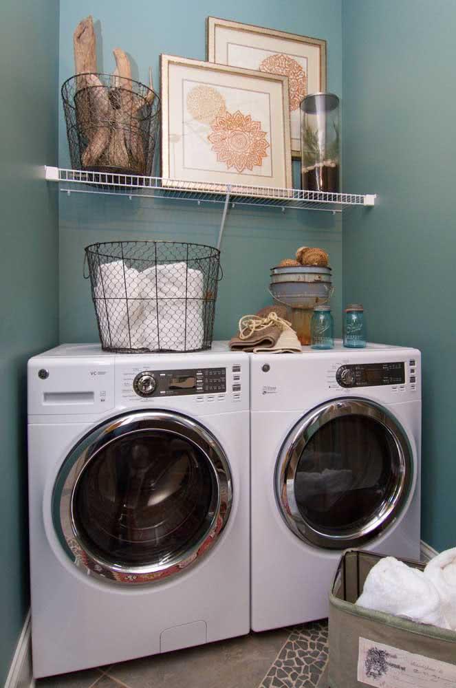 As prateleiras aramadas são uma opção barata, durável e resistente para lavanderia
