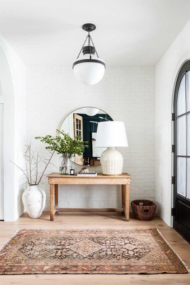 Renove o hall de entrada com a parede de tijolinhos brancos