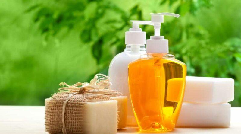 Como fazer sabonete líquido: confira 8 receitas imperdíveis