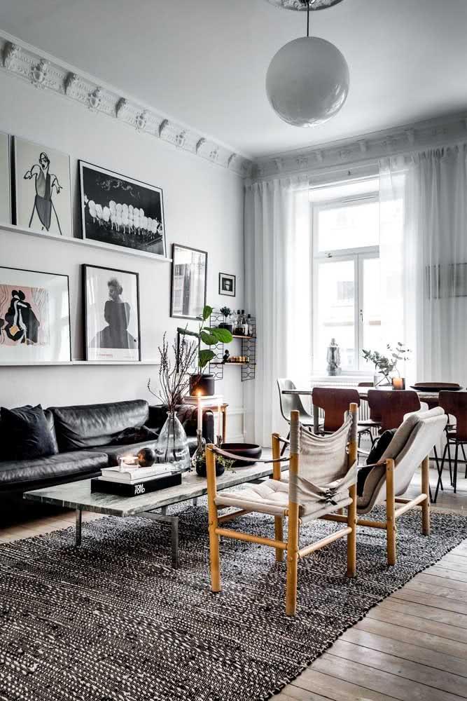 Decorações minimalistas e modernas se encaixam muito bem com a mesa industrial