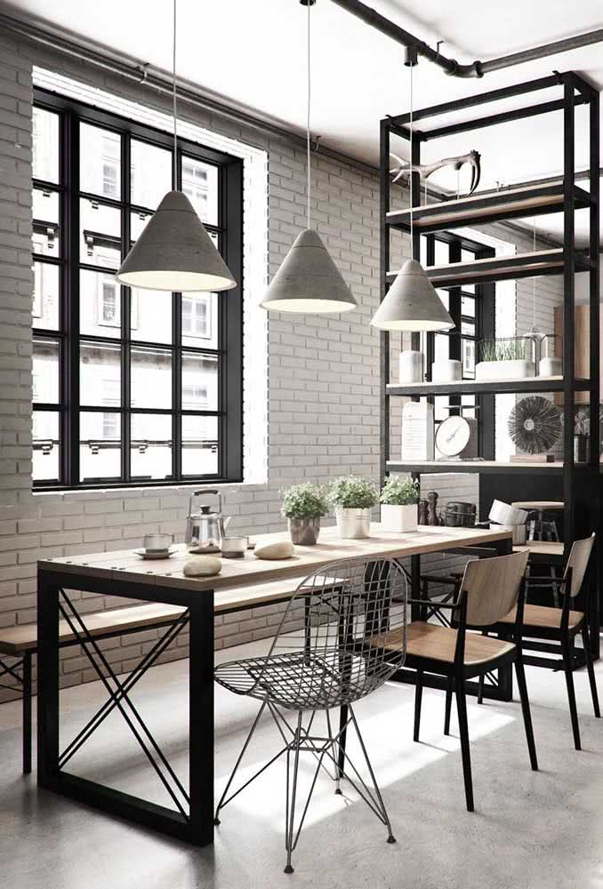 Paleta de cores neutras combinando com a mesa industrial
