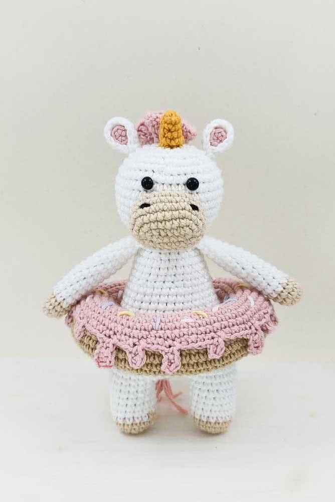 Já aqui, o unicórnio de crochê também é bailarina