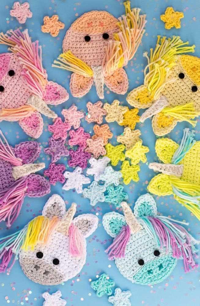 Kit de unicórnios de crochê que você pode usar como lembrancinha de aniversário, por exemplo