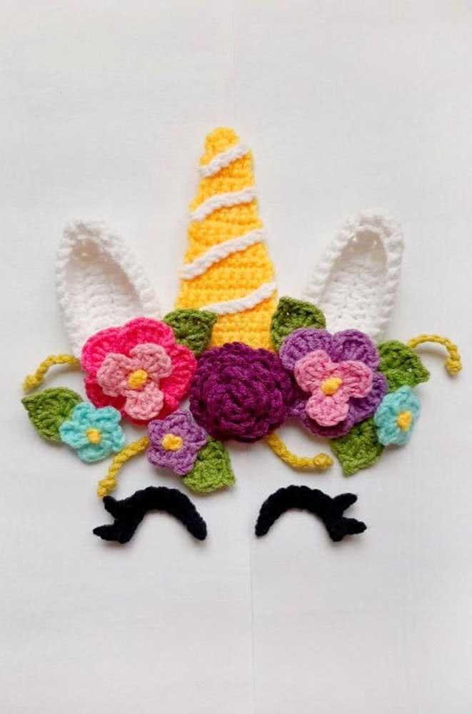 Unicórnio de crochê para usar como aplique em bolsas, roupas e onde mais quiser