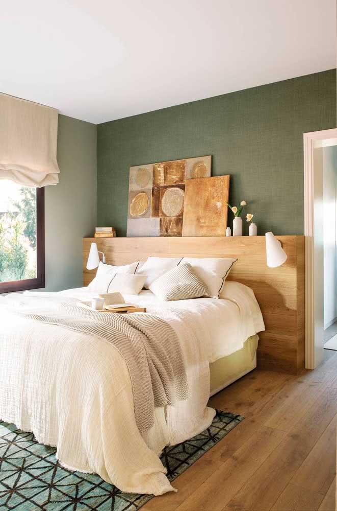 Experimente apenas apoiar os quadros na cabeceira da cama