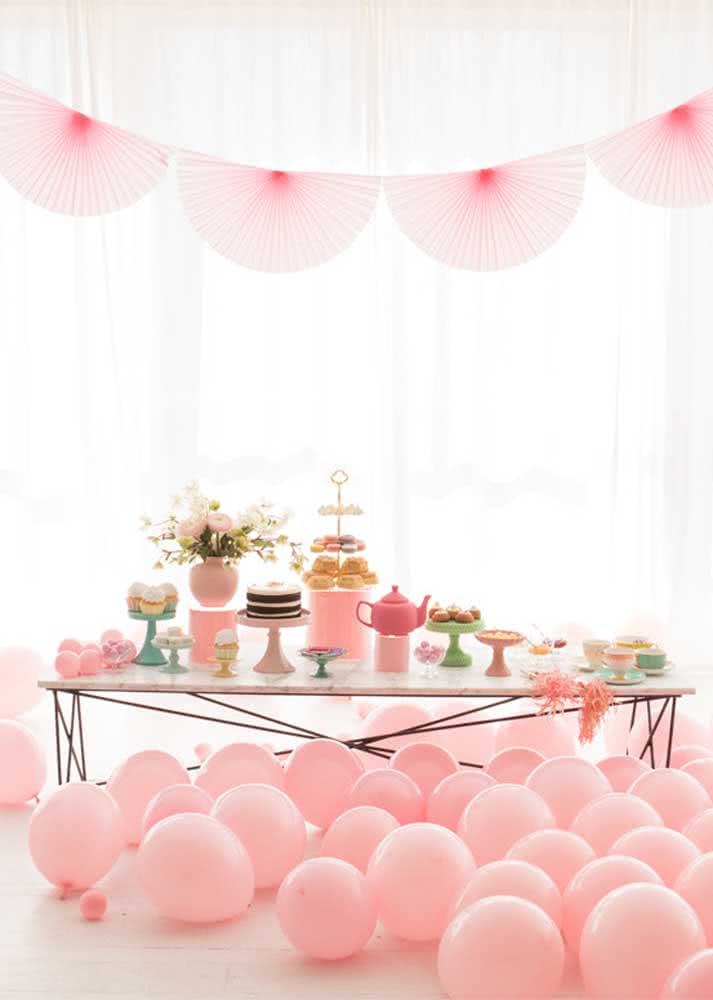 Café da manhã cor de rosa