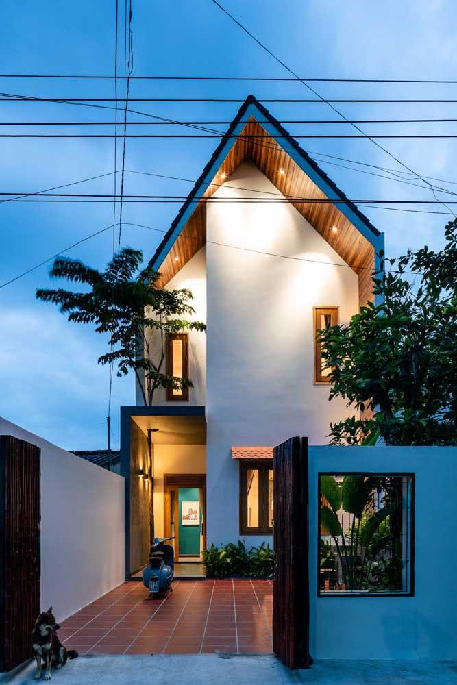 A fachada de uma casa moderna pode, às vezes, não revelar a marcação dos andares