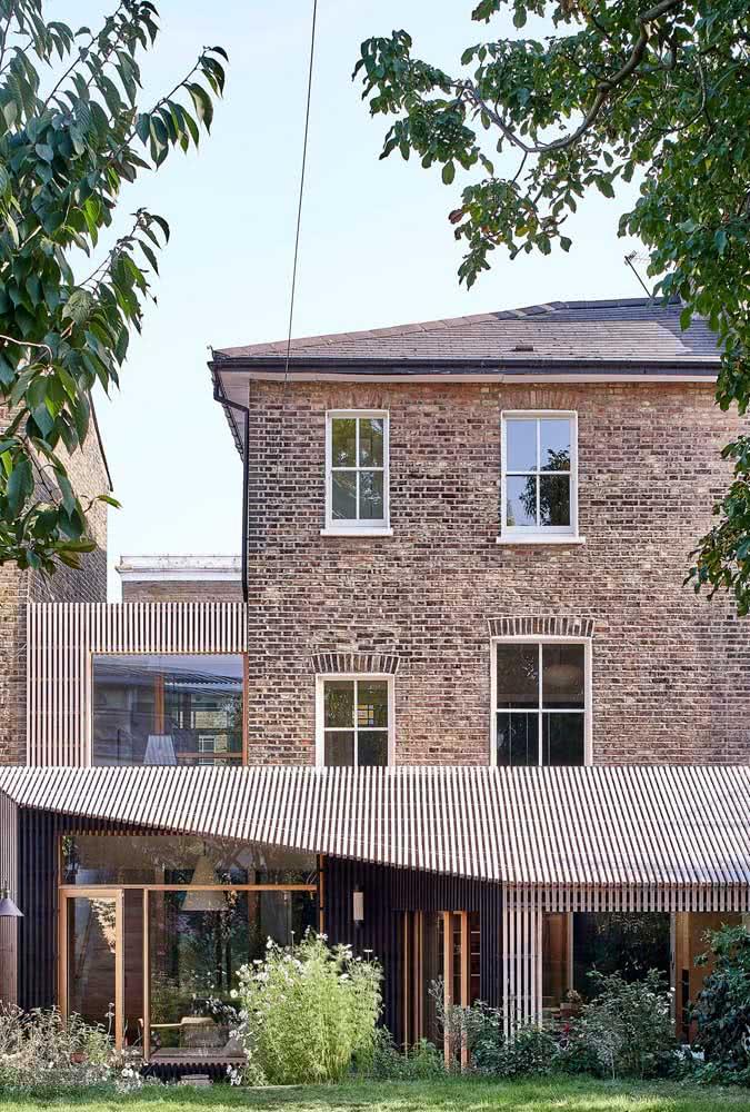 Fachada moderna também é sinônimo de acolhimento e conforto para os moradores e visitantes