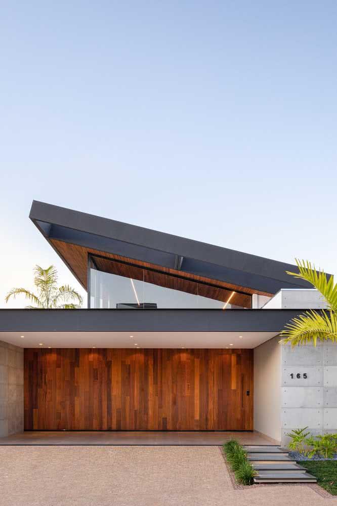 Fachada de casa moderna vista da rua: elegante e sofisticada