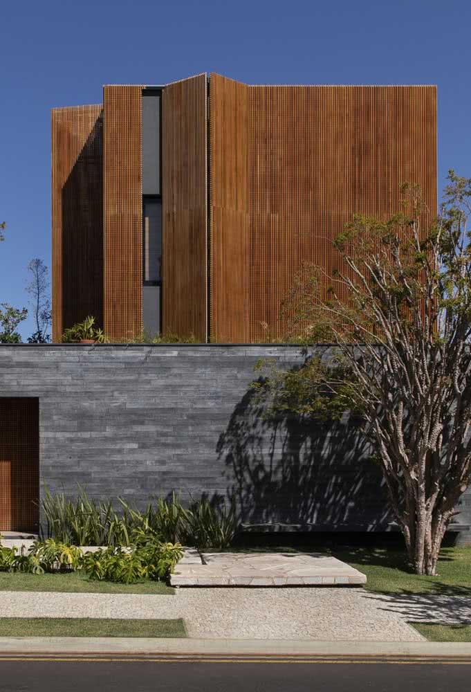 Madeira e concreto fazem um duo perfeito entre modernidade e conforto