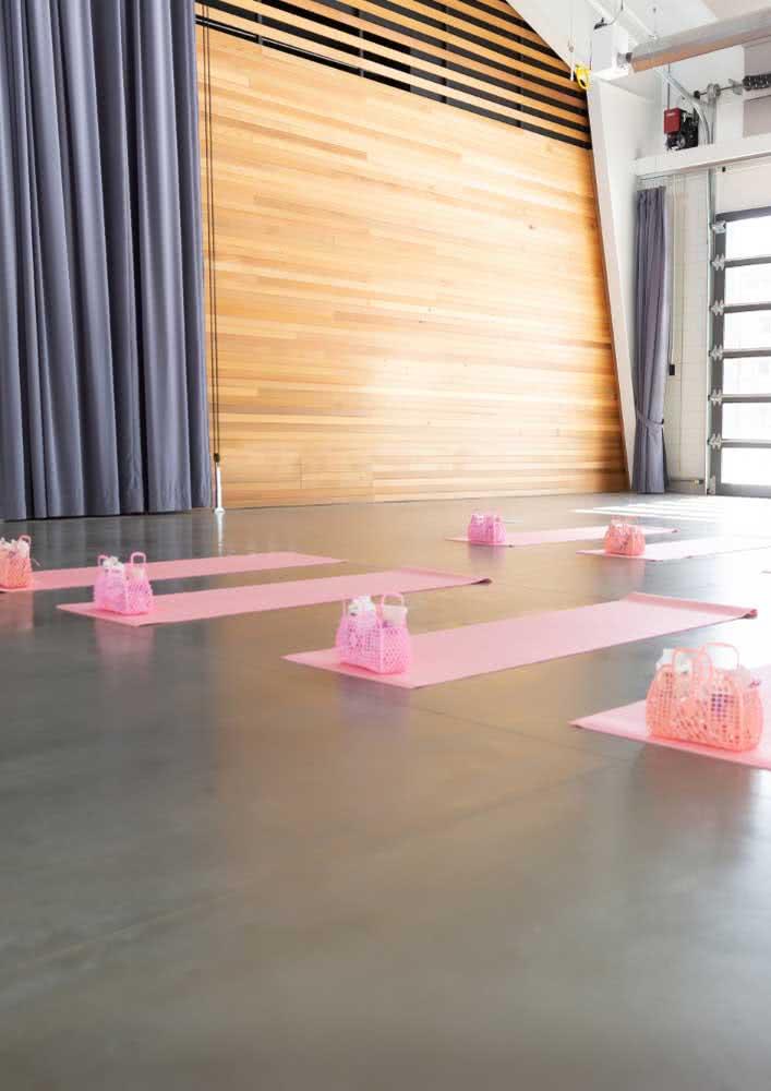 Que tal uma aula de yoga?