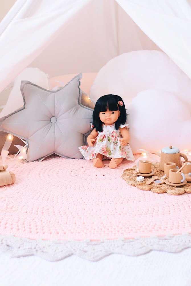 Tapete de crochê cor de rosa para o quarto de bebê menina