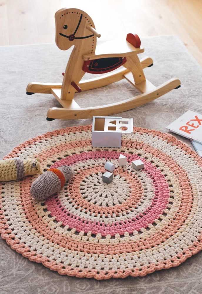 Tapetinho simples e colorido para o momento de brincar
