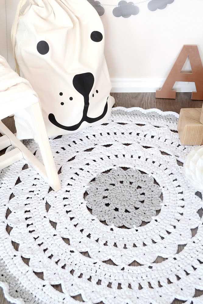 Um modelo de tapete de crochê simples para você se inspirar e fazer também