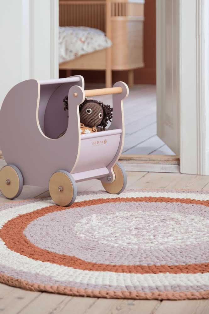 O tapete sempre combina com a decoração, mas você sabia que ele pode combinar até com os brinquedos?