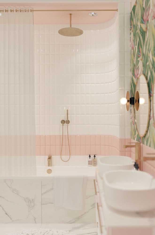 Quer um banheiro delicado e arrojado ao mesmo tempo? Então olha essa ideia!