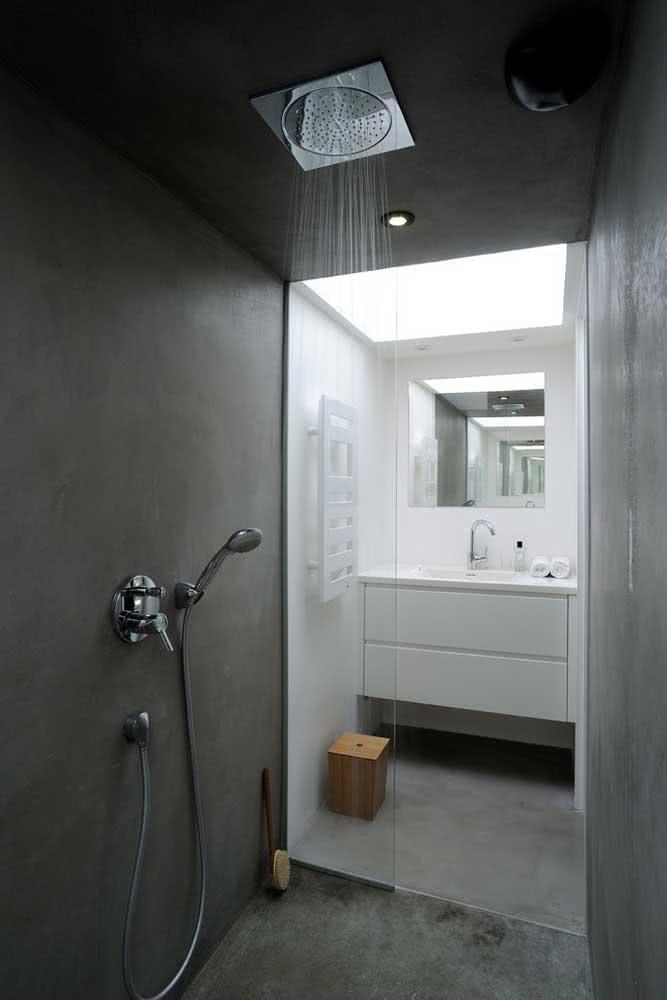 Solar ou a gás, o chuveiro de teto sempre tem uma água quentinha te esperando